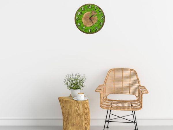 Дерев'яний настінний годинник з норвезького моху та зрізу дерева мод. «Тоскана»