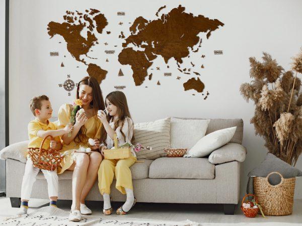 Одношарова дерев'яна карта світу у кольорі «Палісандер»
