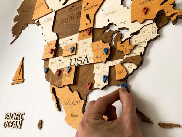 Багатошарова дерев'яна карта світу на стіну у коричневих кольорах