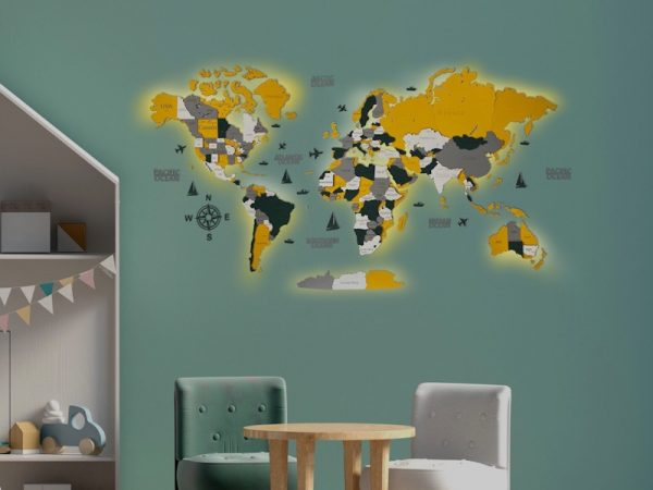 Багатошарова дерев'яна карта світу з підсвідчуванням у зеленому та жовтому кольорах
